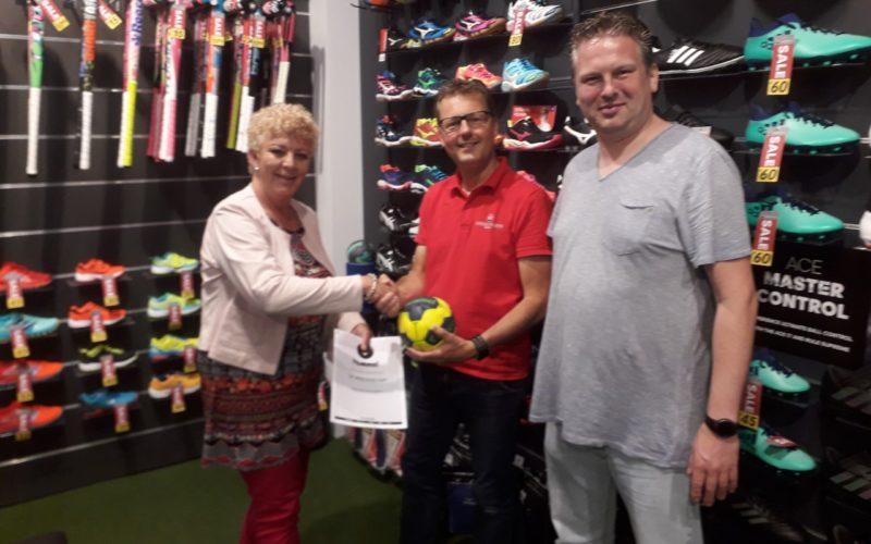 Sv Vriendschap Sluit Sponsorovereenkomst Met Hummel En SPORT 2000 Banne Sports!